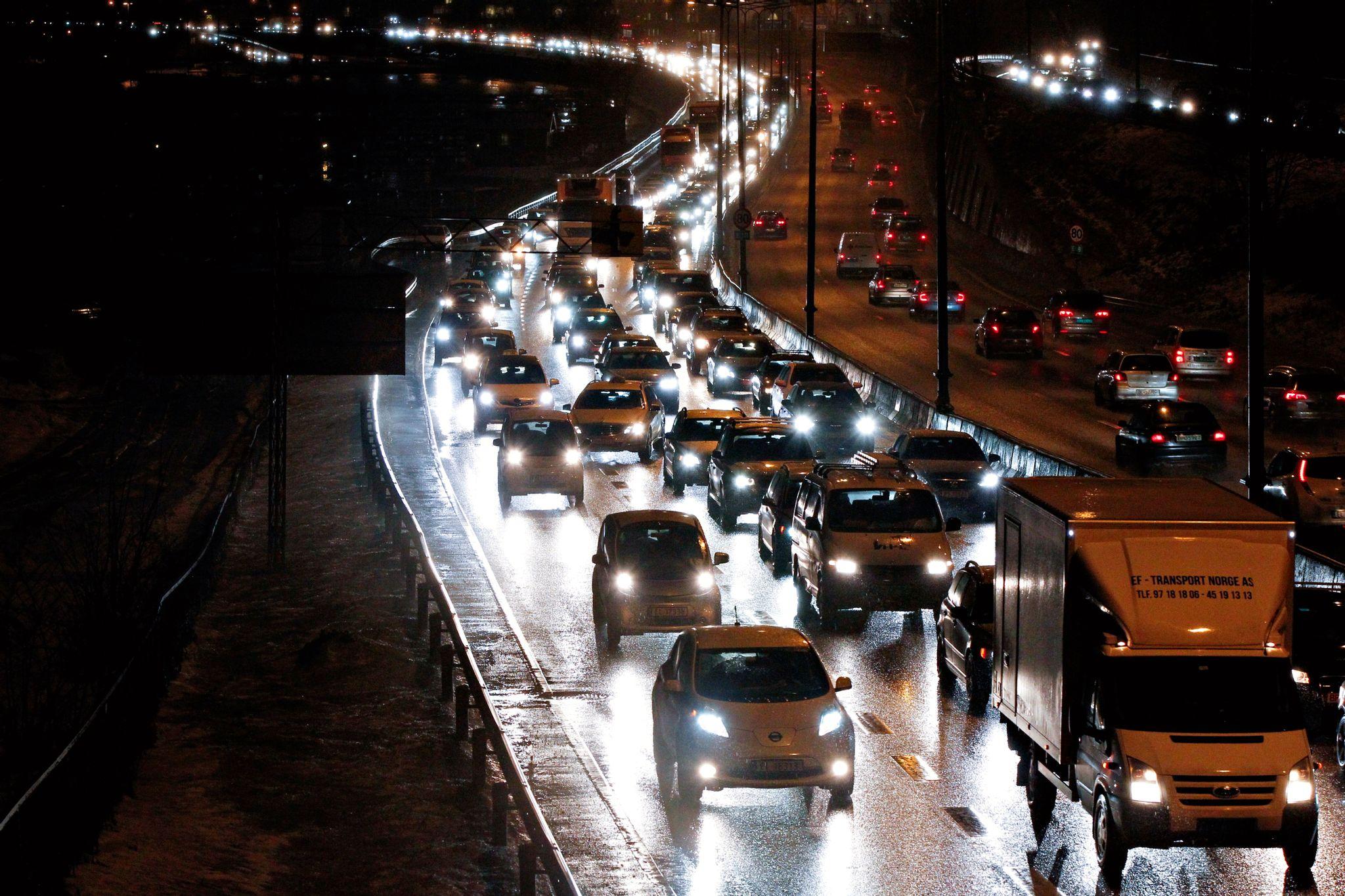 attantene oppfordrer norske bedrifter til å bidra til å avvikle rushtrafikken. Foto: Ørn Borgen
