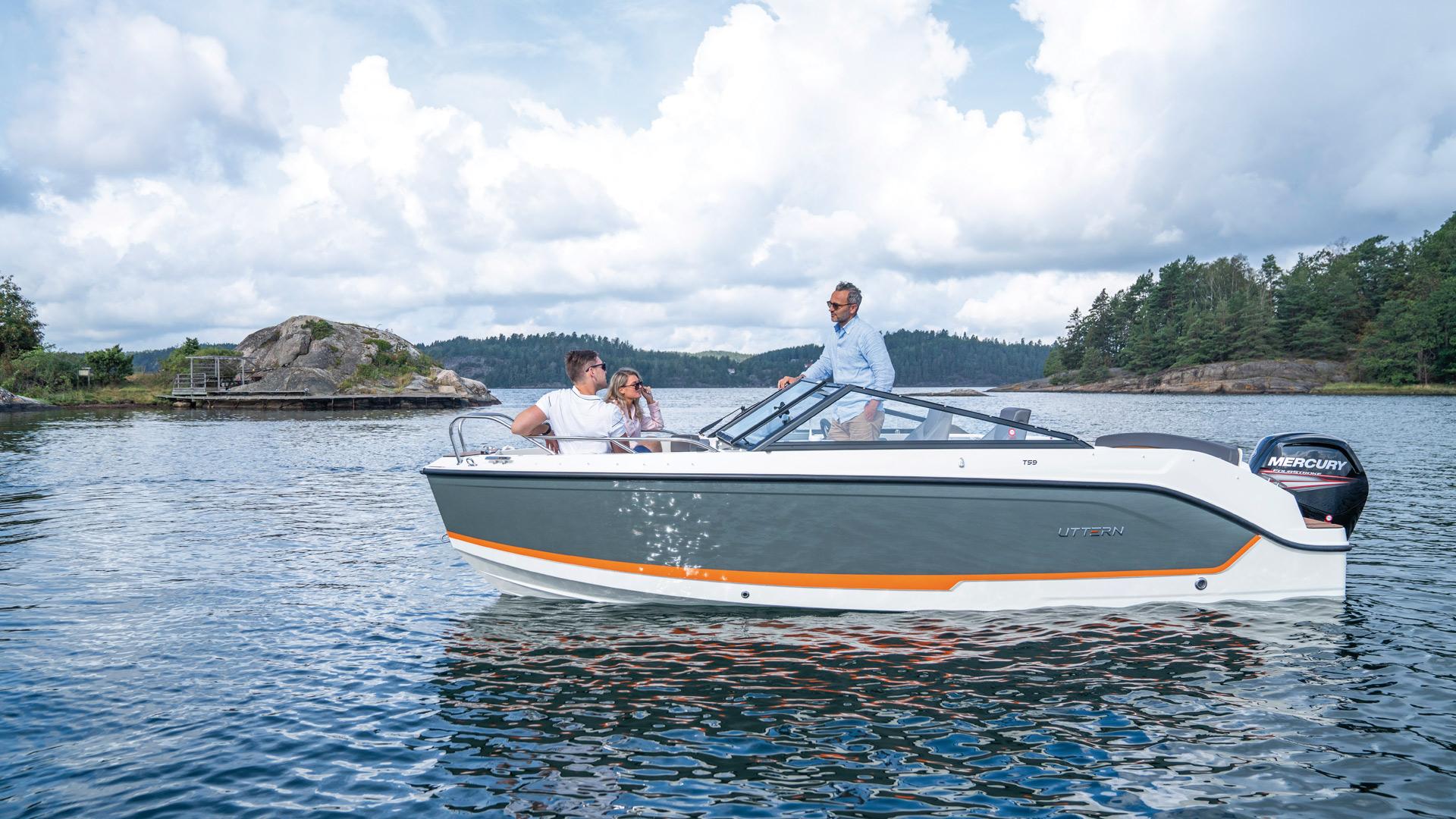 Uttern-T59-er-en-bowrider-som-gir-deg-mye-båt-for-pengene_5_1920x1080-1