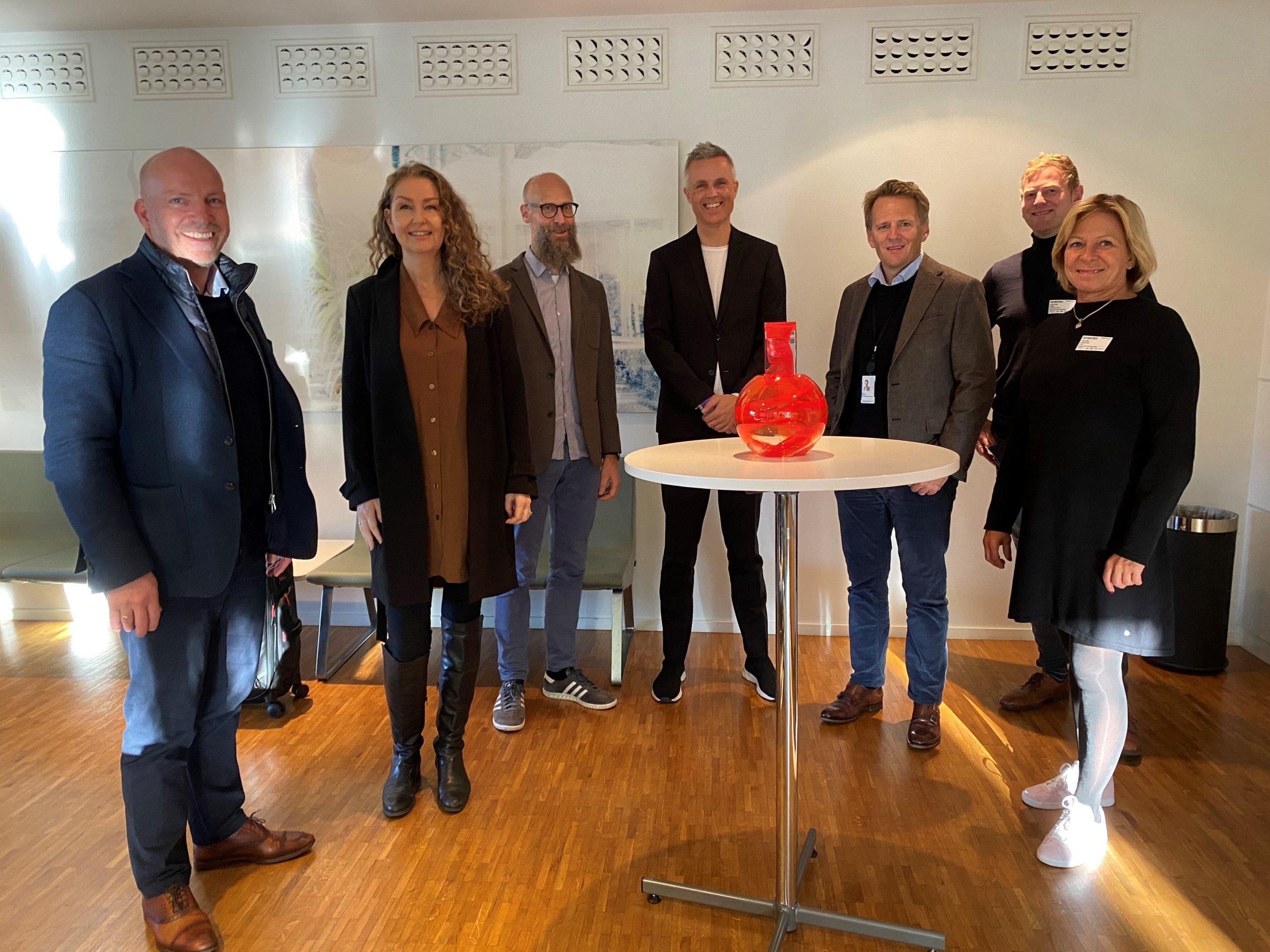 Her ser du juryen til Byggenæringens Innovasjonspris 2021 bestående av Fra venstre Gunnar G. Nybø, Hege Schøyen Dillner, Sindre Samsing, Tor Inge Hjemdal, Jøns Sjøgren, Krister Moen, Aslaug Koksvik